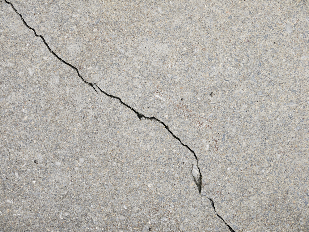 How to fill a crack in concrete