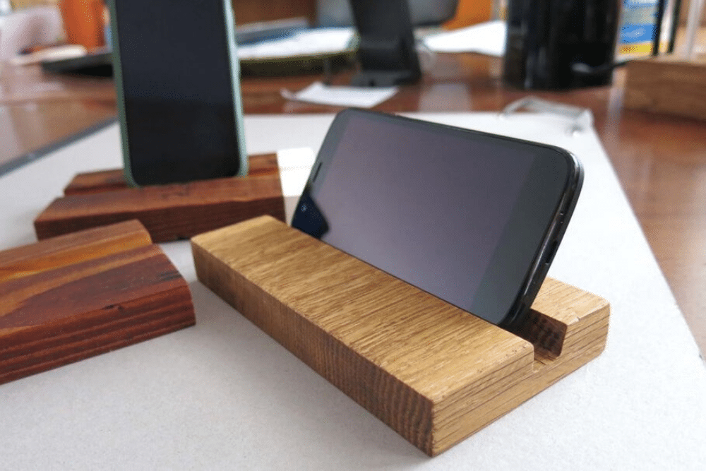 Make a DIY Wooden Phone Stand in 6 easy steps